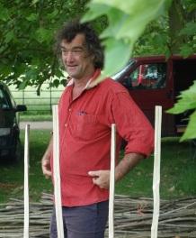 Mick Thwaites demonstrating hurdle making