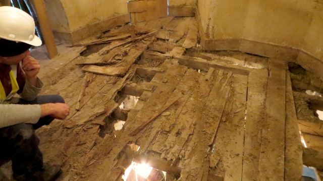 2-The Upper Mezzanie, before removing decayed flrbrds