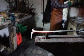 Hot cutting the flat bar