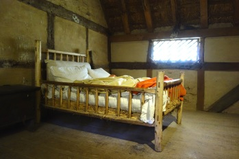 Period bed