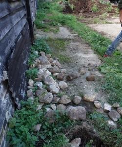 Stone cobbles where kept