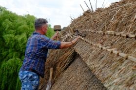 Fixing the hazel rods