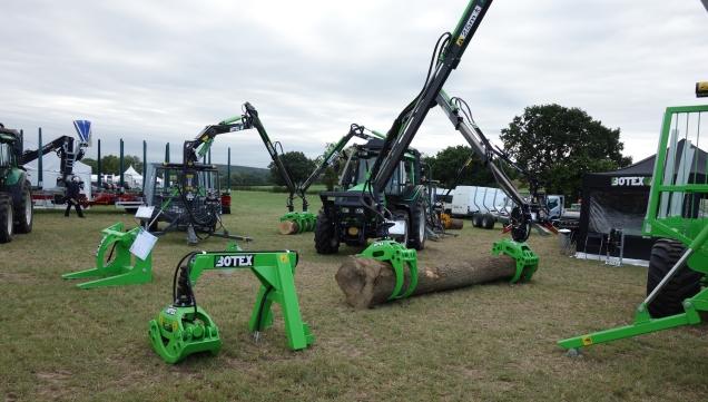 Botex tractor grapples